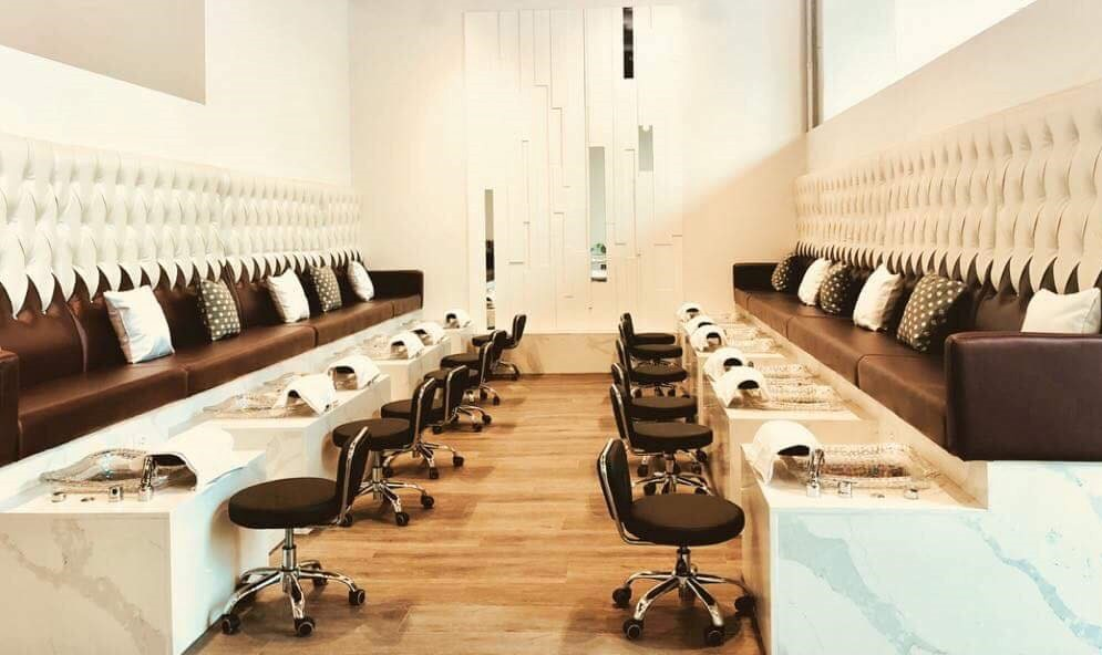 Professional & Best Service Care in Calgary – Best Nail Salon in Calgary